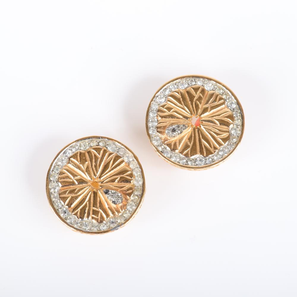 "Boucher gold tone lemon slice pin and earring set with rings of pave rhinestones. 1 1/2"" H x 1 1/2""W (pin)"