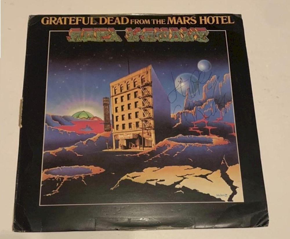 Jerry Garcia Signed The Grateful Dead Vinyl LP Certified