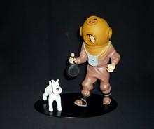 HERGE (Hergé) - Tintin plongeur - Statuette en résine de Tintin en plongeur.