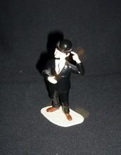 HERGE (Hergé) - Tintin - Statuette en métal de Dupont debout...