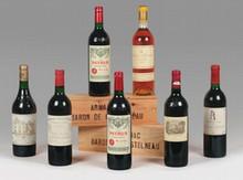 2 bouteilles CH. LATOUR, 1°cru Pauillac  1981  (elt, 1 J)