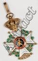 Croix de commandeur de l'ordre de Léopold en or. (Infime accident à l'émail). 42 g brut. Voir la reproduction ci-dessous.