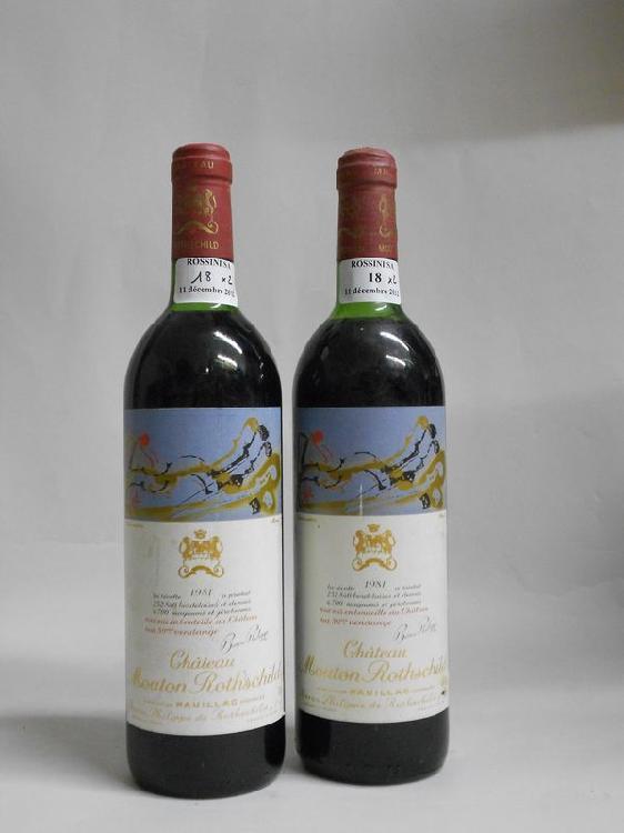 2 bouteilles CH. MOUTON-ROTHSCHILD, 1° cru Pauillac 1981  (1 TLB, 1 LB)