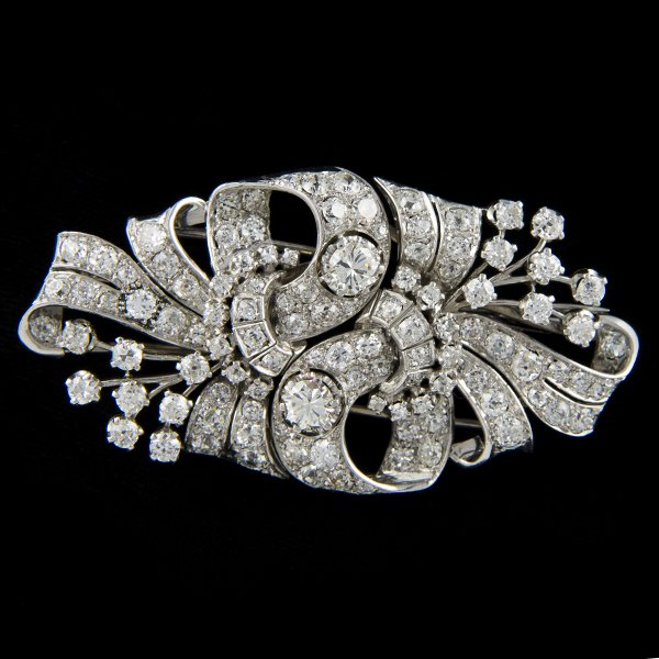 PLATINIUM ANTIQUE DIAMOND BROOCH Edit