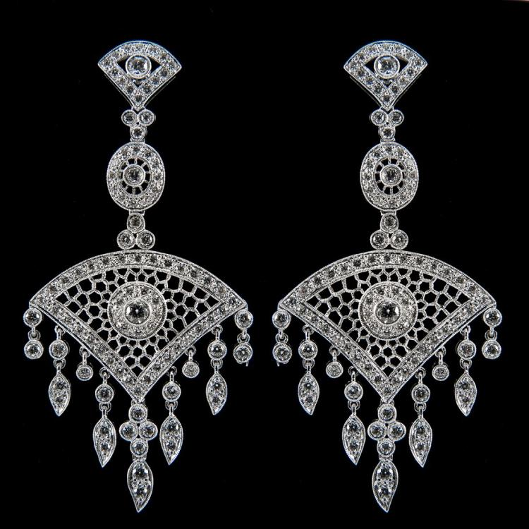 18K WHITE GOLD CHANDELIER EARRINGS VS GOOD DIAMONDS Edit