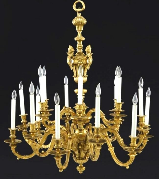 19th Century Gilt Bronze 18 Lights Chandelier