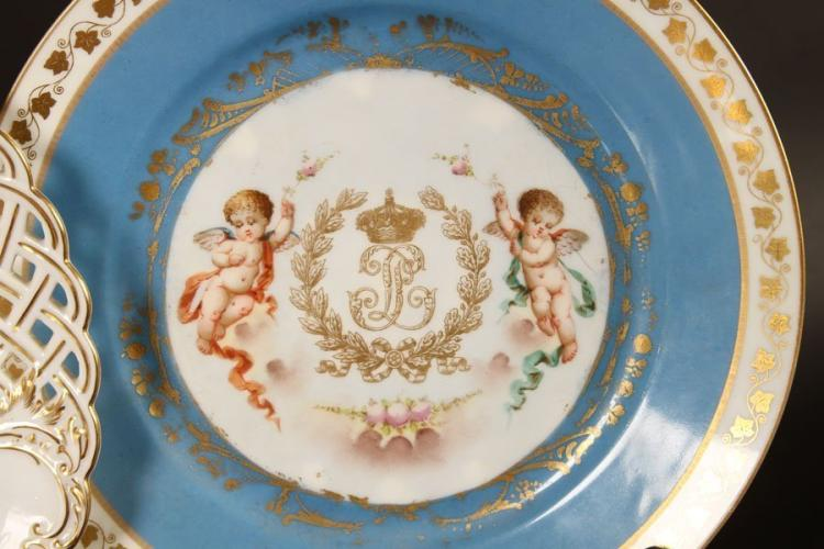 A Lot Of 7 Hand Painted Cabinet Plates Circa 1920