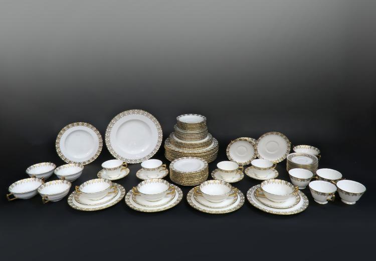 Royal Crown Dinner Plate Set 87 pieces