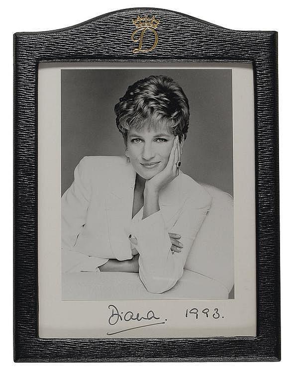 Autograph: Diana