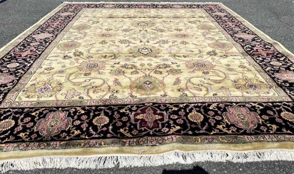 AGRA HAND KNOTTED RUG - 9.1 x 11.11