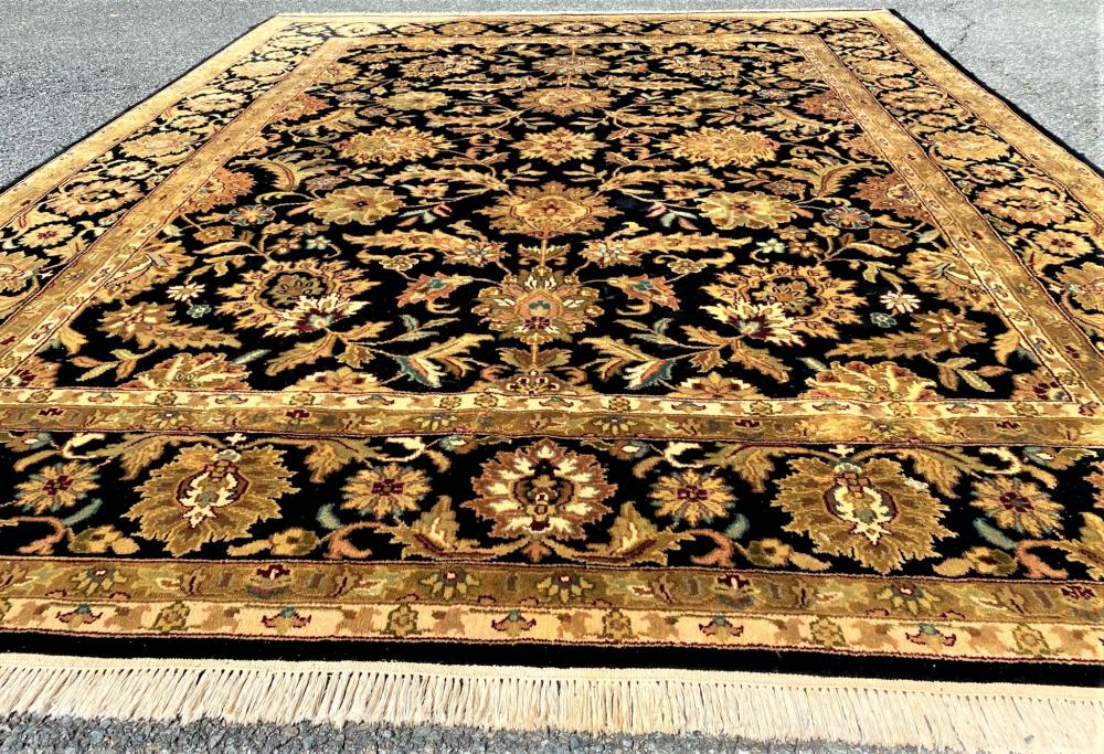 AGRA HAND KNOTTED RUG - 7.10 x 9.11
