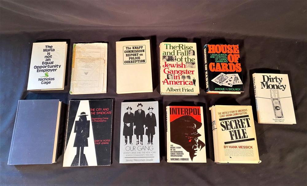 MAFIA AND CRIME BOOKS COLLECTION - 33 VOLUMES