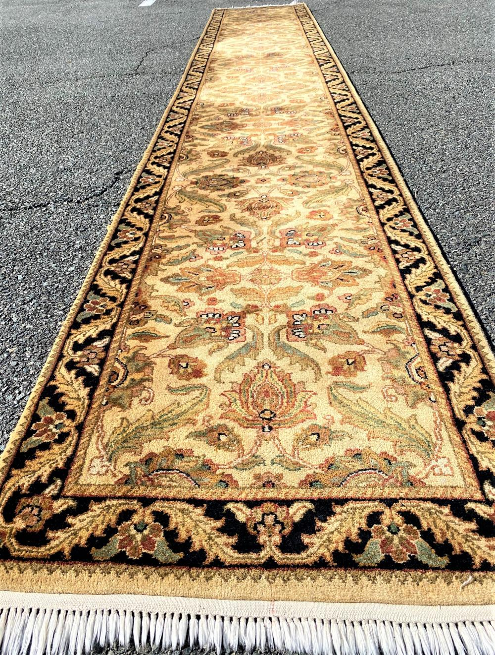 AGRA HAND KNOTTED RUNNER - 2.7 x 15.9