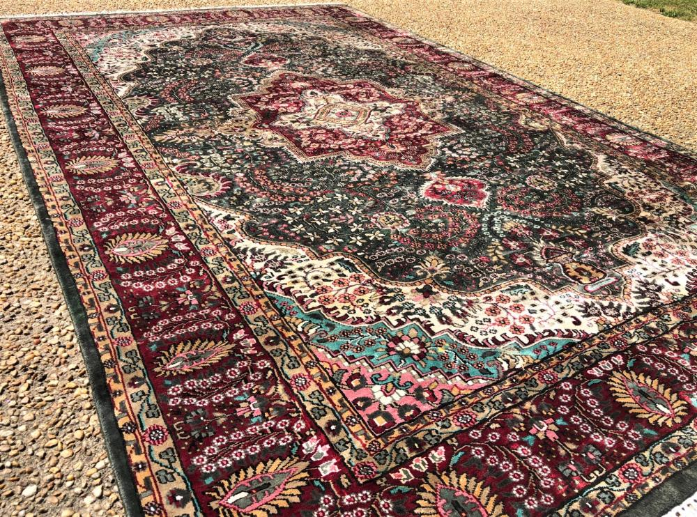 PERSIAN SILK ISFAHAN HAND KNOTTED RUG - 6.4 x 10.0