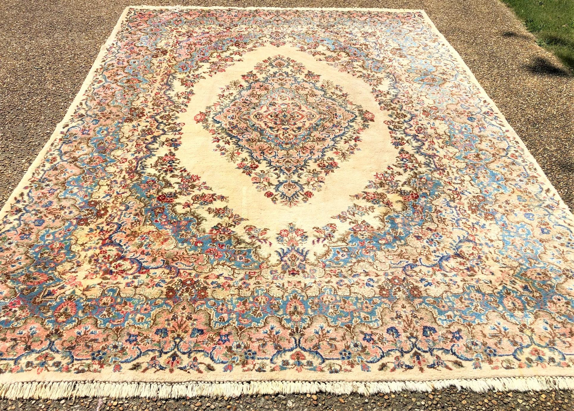PERSIAN KERMAN HAND KNOTTED RUG - 8.11 x 11.11