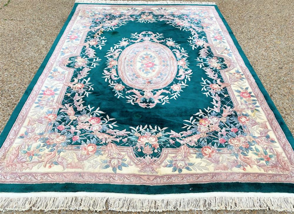 HUNTER GREEN HAND KNOTTED 90 LINE AUBUSSON RUG - 9.6 x 11.7