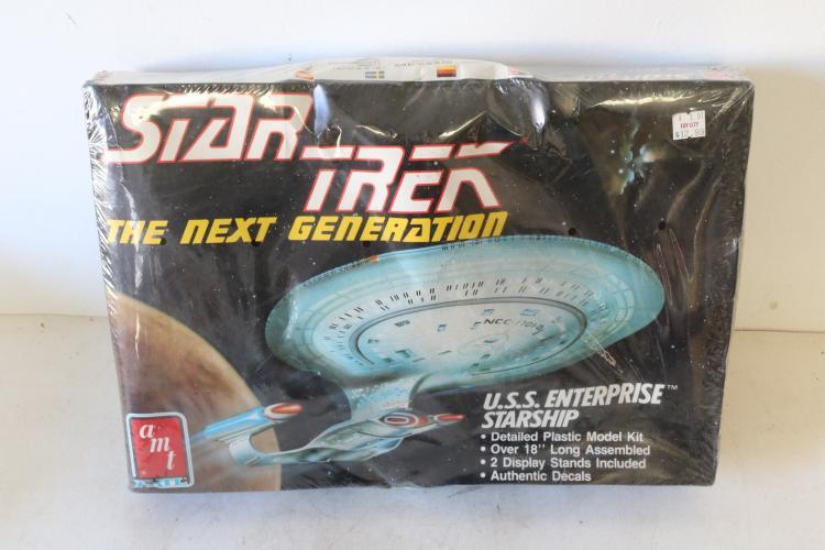 AMT Ertl, Star Trek, USS Enterprise Starship, scale model kit