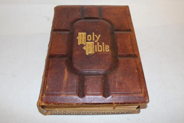 Antique Cassell's Illustrated Bible, W.J. Holland & Co.