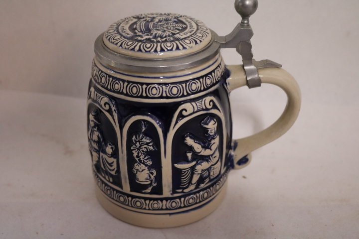 W. German Stein Domdesfgn