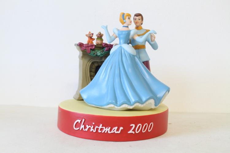 Grolier Collectibles LTD Christmas 2000