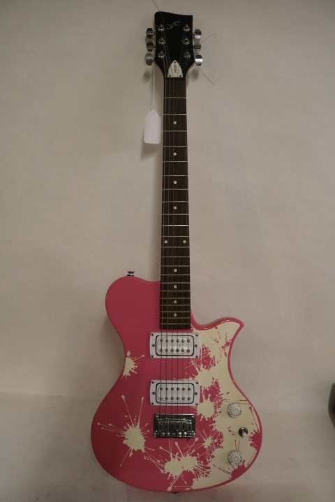 first act pink electric guitar me553 with amp. Black Bedroom Furniture Sets. Home Design Ideas