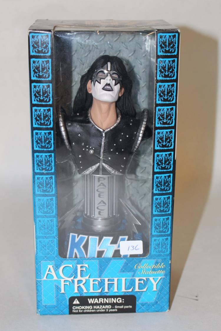 Kiss Ace Frehley collectible statuettes New In Package : H4269 L111170077 from www.invaluable.co.uk size 750 x 1125 jpeg 99kB