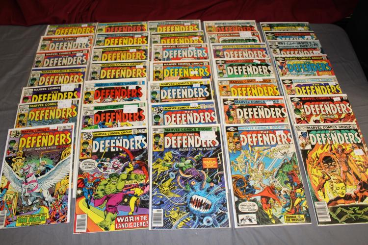 lot of 36 Defenders Marvel Comics, very fine to near mint