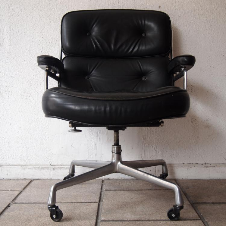 Eames charles ray miller herman fauteuil de direction for Fauteuil charles eames original prix