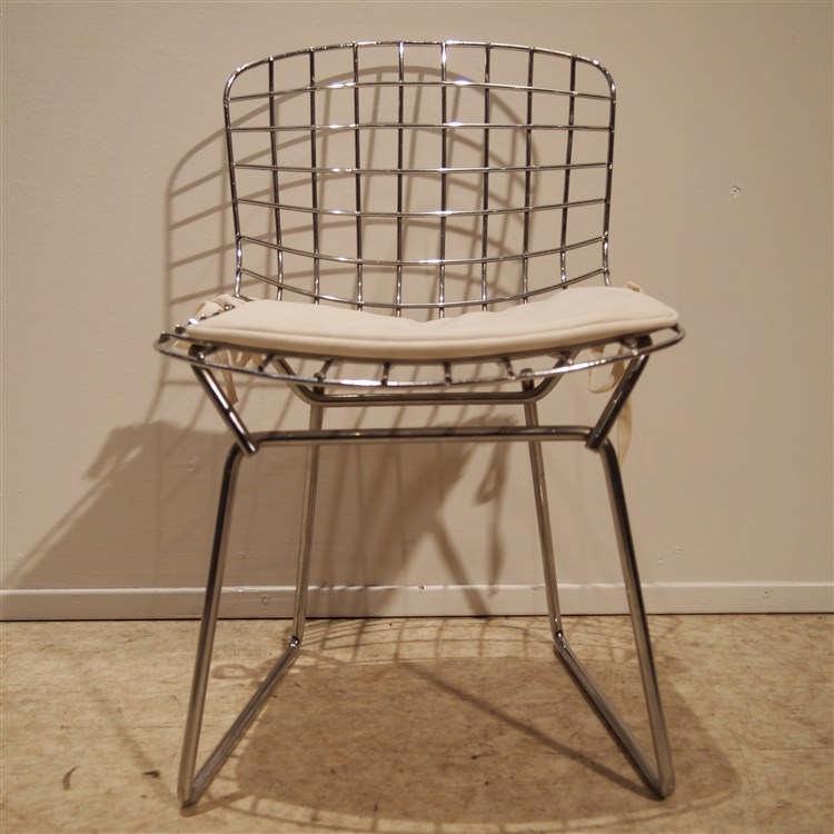 Bertoia harry 1915 1978 chaise enfant mod le whire des for Bertoia chaise prix