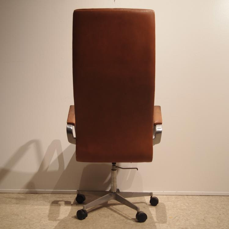 jacobsen arne fritz hansen fauteuil de bureau mod le ox. Black Bedroom Furniture Sets. Home Design Ideas
