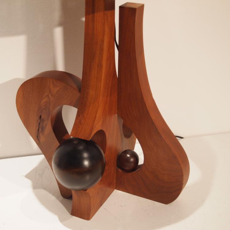 Lampe d 39 ambiance sculpturale f t en bois massif travaill - Fut en bois ...