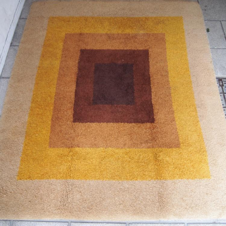 panton verner tapis. Black Bedroom Furniture Sets. Home Design Ideas