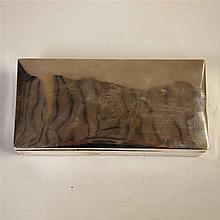 Boite à cigares 19eS : Argent 800/1000e, couvercle plat avec motif gravé d'