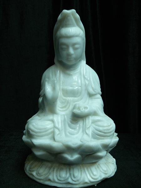 White Jade Sitting Kwanyin