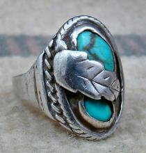 Vintage Navajo Double Turquoise Decorated Leaf Cast Ring