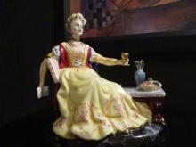 Royal Doulton/peggy Davies Lucrezia Borgia Le 350/750 Mint In Box Hn2342