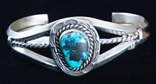 Solid Navajo Turquoise Carinated Wire Bracelet