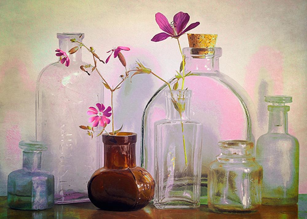 Hal Halli - Bottles On The Bureau