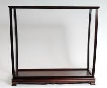 Display case for tall ship medium