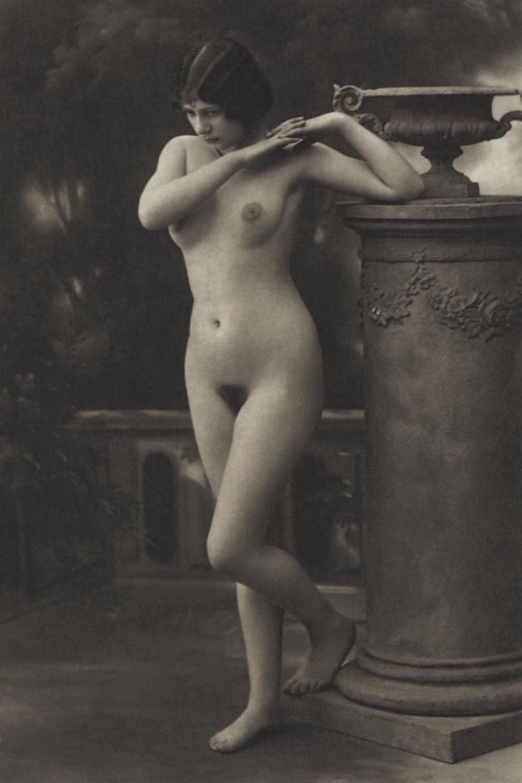 Шуй, старинные открытки с голыми