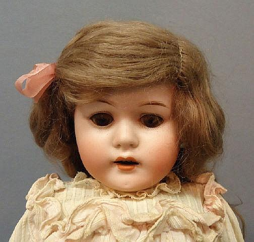 MAX HANDWERCK 'BEBE ELITE' BISQUE HEAD DOLL