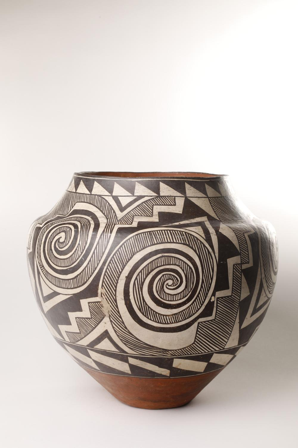 Acoma, Large Tularosa Revival Jar, ca. 1920