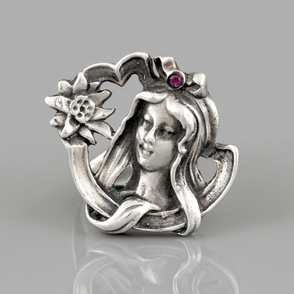"""""""Art Nouveau"""" Silver Ring"""
