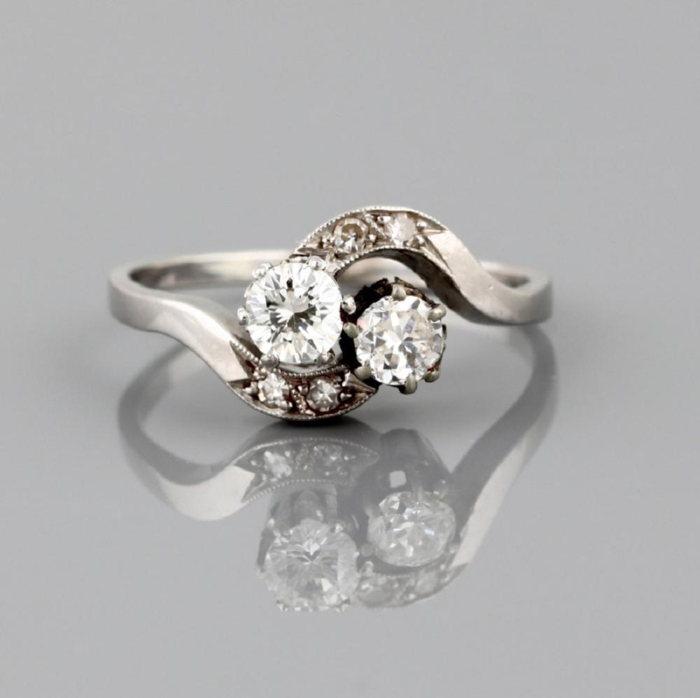 """""""Toi et Moi"""" Ring in platinum and diamonds"""