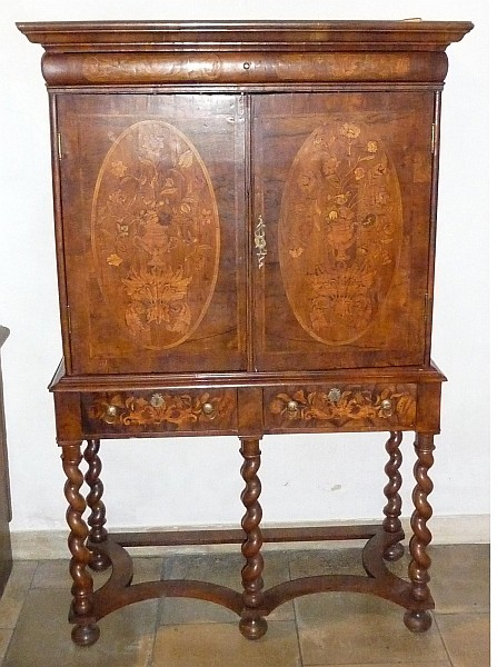 Bedeutender Barocker Kabinettschrank England Um 1700