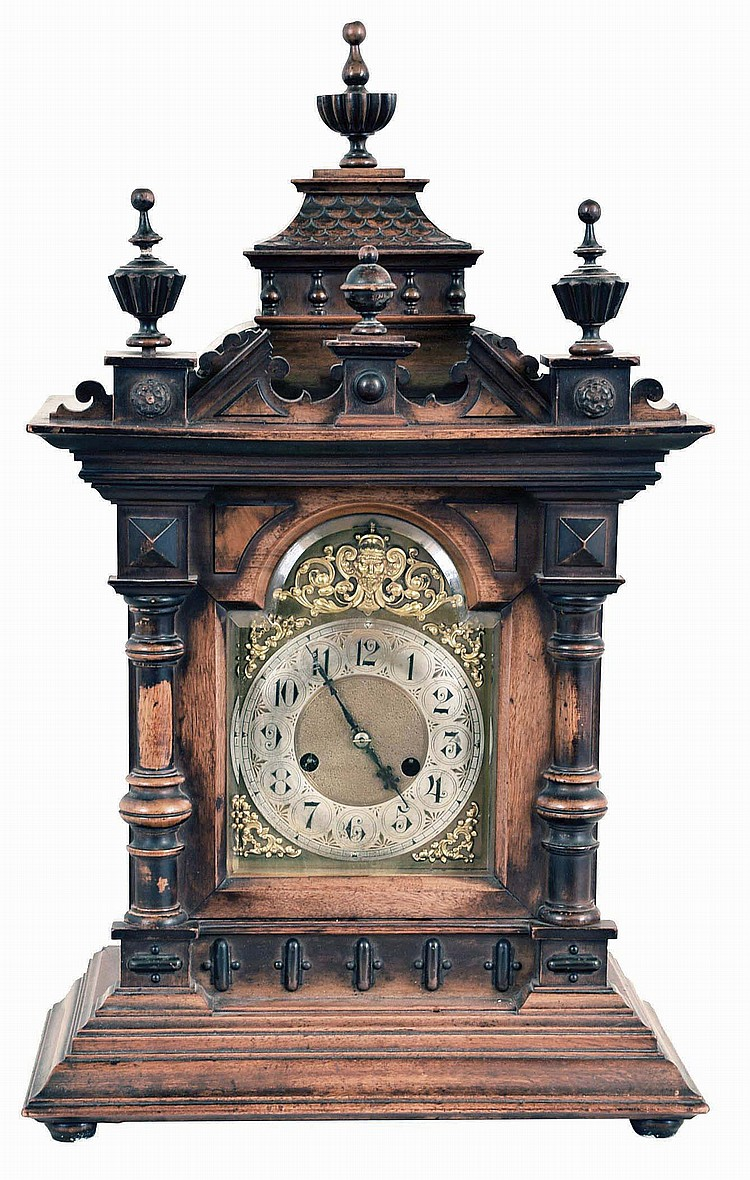 German Hamburg American walnut 14 day time and strike bracket clock