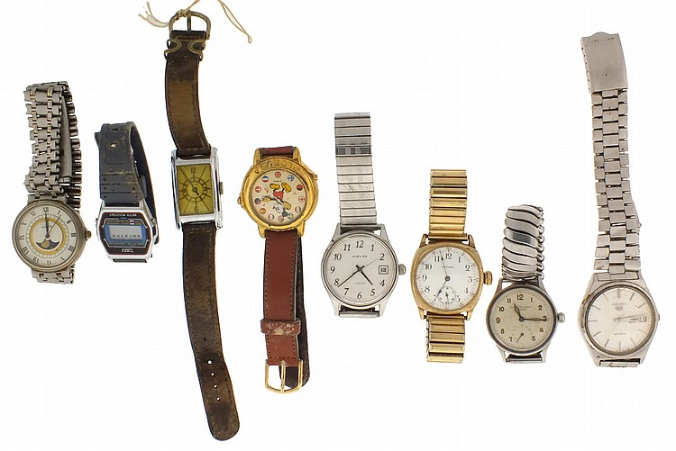 Large lot of wrist watches, makers including Elgin, Bulova, Benrus, Girard Perregaux, Gruen, and others