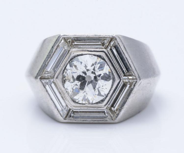 Cartier Plat. Diamond Ring, From 1940's.