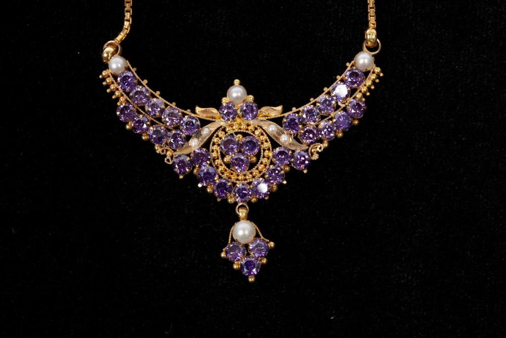 INDIAN HIGH KARAT GOLD & AMETHYST NECKLACE