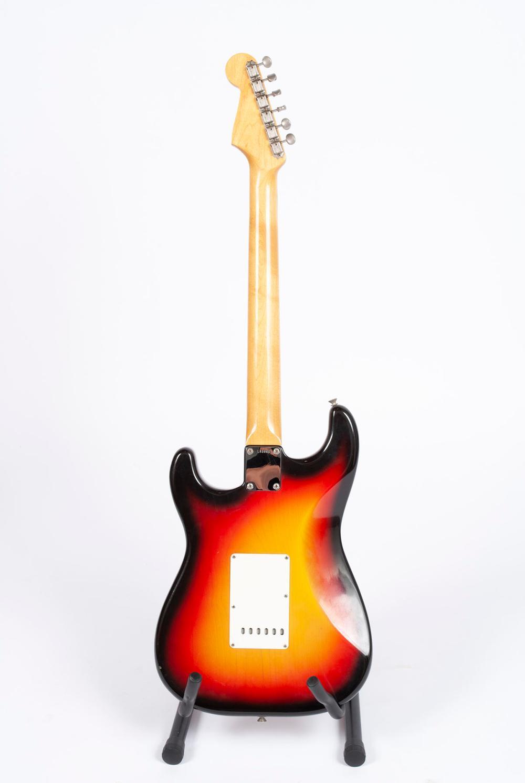 1965 FENDER STRATOCASTER SUNBURST SOLID BODY GUITAR